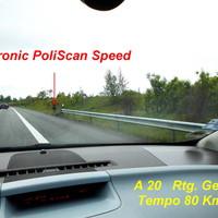 PoliScan Speed auf Stativ mit 2 Rotlichtblitzern in Fahrtrichtung Lübeck-Genin vom Kreuz Lübeck heranfahrend... Hier wird heute bis zum Abend gemessen...