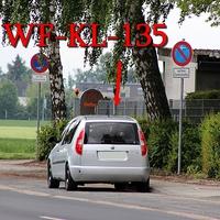 Der silberne Skoda Roomster auf der Halchterschen Straße in höhe von ATU rechts auf dem Parkstreifen Fahrtrichtung stadtauswärts. 50 kmh.
