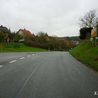Links befindet sich die Drosendorfer Straße, in der - wie auch an vielen anderen Ausfallstraßen in Hollfeld - ebenfalls Kontrollen möglich sind.
