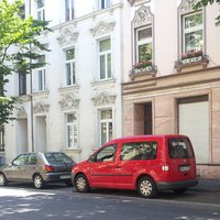 roter VW Caddy, Kennz. BN-LA 221
