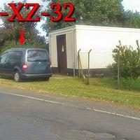 A,m OE Vienenburg aus Bad Harzburg kommend, hinter dem Kreisel. Auf der Okerstraße, 50 kmh sind dort erlaubt. Grauer VW Caddy (GS-XZ-32).