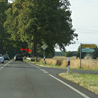B 109 Hinter der Kreuzung Züssow- Wolgast-Anklam-Greifswald in Richtung Greifswald Permanent Blitzer auf 100er Strecke, sehr versteckt verbaut