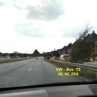 Rot markiert Wabenfilter-Blitz, gelb markiert Digital-Zoom-Kamera und gelb/rot am Schilderbrückenfuß der ES 3.0 Sensor...
