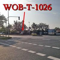 Blitzer auf der Dieselstraße Rtg Vorsfelde / stadteinwärts. Der graue VW Caddy (WOB-T-1026) steht nach Mc Donalds der Ampelkreuzung, auf der rechten Seite in den Parkbuchten.