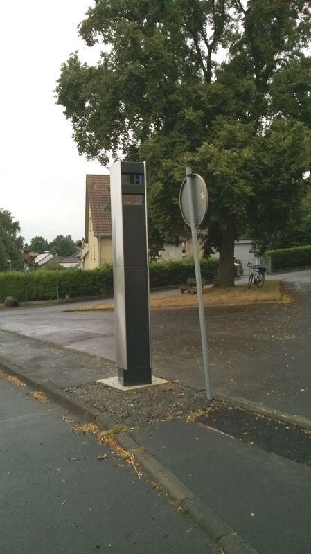 Normal_traffitower_34281gudensberg-dissen-richtg_deute-felsberg_2013-08-12