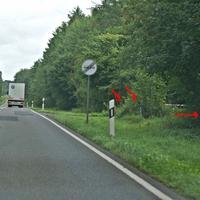 Mobiler Blitzer B194 hinter Poggendorf im Wald 100er Zone in Richtung Grimmen A20, wird hier oft aufgebaut