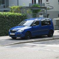 Meßfahrzeug- blitzt in Gegenrichtung- Frontseite