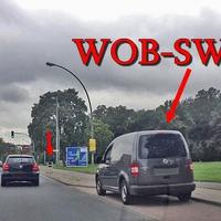 graue blitzende Tonne, auf der Braunschweiger Straße stadtauswärts, in höhe der Quelle. Dazu gehört ein grauer VW Caddy (WOB-SW-124).