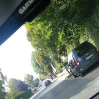 Mobiler Blitzer und blitzt in beide Fahrtrichtungen