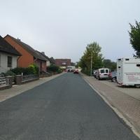Messstelle aufgrund der Umleitung durch Sperrung der Hauptstraße! Da hier ein Kindergarten ist, geht die Stelle völlig in Ordnung!