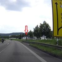 Zeigt den Blitzer aus Sicht der Autofahrer die von Stuttgart kommend in Richtung Plochingen/Ulm fahren. Kurz vor der Ausfahrt Es-Mettigen