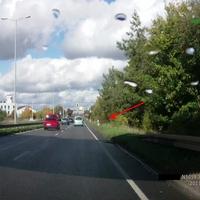 Kurz vor der Ampel, in Richtung Autobahn / stadtauswärts.