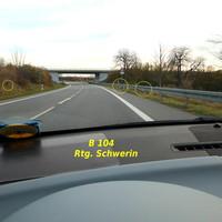 ES 3.0 unter der Leitplanke Kamera und Blitz auf beiden Seiten in Fahrtrichtung Schwerin...