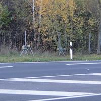 der Bulli der Polizei Hannover samt eso Gerät, beidseitig, wobei die Rtg. Hannover fahrenden aus der Gegenrichtung fotografiert wurden bzw durch die Fahrer-Seitenscheibe! Kennzeichen des Bullis: H CH 124