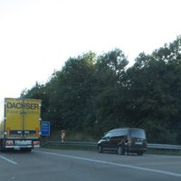 A96 FRtg. Süd-West Lindau. Der Paparazzi scheint wohl da zu wohnen?