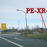 B 444 Ilseder Straße in Peine, stadteinwärts, höhe des Krankenhauses, unter der Brücke. 70 kmh. ESO Anlage, dazu gehört ein grauer VW T5 (PE-XR-23).