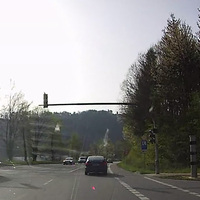 Eine neue Blitzersäule - heute installiert. Siehe Foto rechts