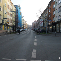 Anfahrt in Richtung Landgrabenstraße: Ab dem Kreuzungsbereich der Peter-Henlein-Straße gilt in der Tafelfeldstraße zeitweise Tempo 30. Bis zum Messgerät sind es noch ca. 70 Meter.