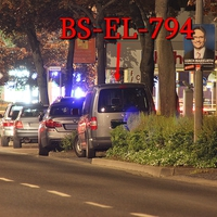 Braunschweig, Güldenstraße 23 Uhr, Blitzer zwischen den Kreuzungen Sonnenstraße und Lange Straße, stadteinwärts, 50 kmh. Grauer VW Caddy Maxi (BS-EL-794) auf der rechten Seite in einer Parkbucht.