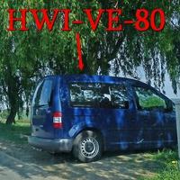 Blitzer am OA Deersheim, Hessener Straße, Richtung Hessen. 50 kmh. Blauer VW Caddy (HWI-VE-80), steht quer zur Fahrtichtung und blitzt aus der hinteren Seitenscheibe.