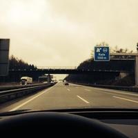 Einmal Nahaufnahme und von der Autobahn Richtung Hamburg ein Foto. Die Geräte sind sehr schwer zu erkennen. Nur wenn man weiß das sie dort stehen, sieht man es.   Copyright der Fotos liegt bei der Funk & Fernsehen Nordwestdeutschland GmbH & Co. KG (FFN)