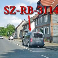 Grauer VW Caddy Maxi (SZ-RB-3114) am OA SZ Immendorf auf der B 248 Richtung SZ Thiede. 50 kmh.