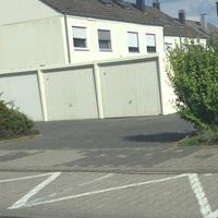 Merkmal ist der blaue Opel Van. Ortsausgang von Bauschheim auf der rechten Seite Richtung Rüsselsheim