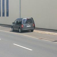 neuer Wagen vom Ordnungsamt, jetzt beidseitig! Stand dort in der Mittagszeit. War aufgrund der geöffneten Tür/Fenster gut zu erkennen