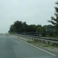 B444 zwischen der Auffahrt Fuhsering und der Abfahrt Horst bei 100! Richtung Rosenthal fahrend! Der Messwagen stand unter der Brücke