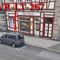 Grauer VW Caddy (WR-LT-267), auf der Breiten Straße. 20 kmh. Kann sowohl aus dem Heck (Kofferraum) als auch durch die Frontscheibe blitzen, auch gleichzeitig.