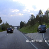 Grauer VW Caddy (benutzt Kennzeichen ABG-O...)