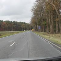Seit dem 1.11.2014 ist hier 80Km/h.Das Ortsschild steht jetzt hinter dem neuen Kreisverkehr