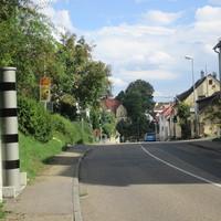 Vitronic Poliscan Speed (stationär)  steht in der Hirschlander Strasse in Ditzingen  Vorsicht! > Gemessen wird in beide Richtungen.  Vorgeschriebene Geschwindigkeit: 30 km/h