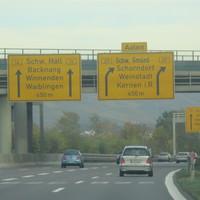 Vitronic Poliscan Speed (stationär)  steht auf der Bundestrasse 14  Vorsicht! > befindet sich vor dem Teiler B14/B29 > unterhalb einer S-Bahnbrücke auf Höhe Waiblingen/Rommelshausen in Fahrtrichtung Winnenden.  Vorgeschriebene Geschwindigkeit: 100km/h
