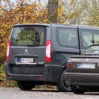 Der Mess-Van, schön abseits geparkt.