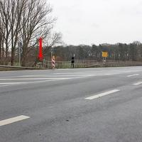 B 1 am Abzweig Vechelde (Zufahrt alte B1 Hildesheimer Straße Vechelde). 70 kmh. Beidseitig.