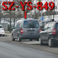 Wie eh und jeh auf der Hansestraße, stadtauswärts. Bei der Spedition Schnellecke, auf der rechten Seite auf dem Parkstreifen. Grauer VW Caddy Maxi mal wieder mit einem anderen Kennzeichen Gähhnnn!!! (SZ-YS-849)  50 kmh.