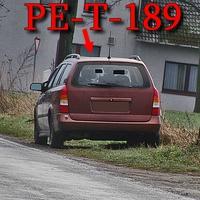 Blitzer in Wierthe, Fabrikstraße, Richtung Braunschweig, auf der rechten Seite, kurz vor dem Abzweig nach PE Alvesse. 50 kmh. Rostbraun Roter Opel Astra Kombi (PE-T-189).
