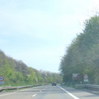 """ca. 200m nach den Schildern: """"Tempo 100"""" und """"Radarkontrolle"""" :  DER BLITZER"""