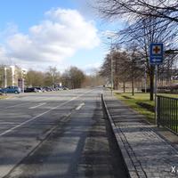 Man befindet sich in der Anfahrt auf eine Anfang März 2015 neu eingerichtete Kontrollstelle. Links von uns liegt die Juraklinik Scheßlitz.