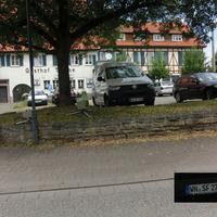 Schorndorf Weiler FR Winterbach  @30 vor dem Gasthof Traube, ESO von der Bank verdeckt aufgebaut, Messfahrzeug weißer Bus WN-SF 2755