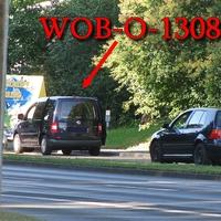 Blitzer auf der Braunschweiger Straße, stadteinwärts, kurz vor der Shell Tankstelle, unter der Fußgänger Brücke, dunkelblauer VW Caddy (WOB-O-1308). 50 kmh. Geblitzt wird diesesmal mit der Vitronic aus dem Kofferraum raus.