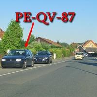 Blitzer in Sonnenberg, Burgstraße, Richtung Braunschweig, rechte Seite in der Parkspur, dunkelblauer VW Golf 4 Variant (PE-QV-87). 50 kmh. Messung zu dieser Uhrzeit ging aber in Ordnung da dort massig Schülerverkehr stattfindet.