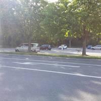 Richtung Ortsausgang, Messwagen steht auf dem Parkplatz vom Freibad/Sportplatz.