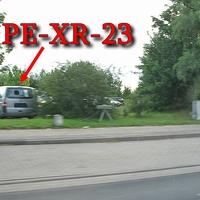 ESO Einseitensensor, beiger VW T5 (PE-XR-23) steht in direkter Nähe. Gemessen wurde in beide Richtungen, höhe Firma Stoll. 50 kmh.