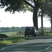 am 12.10.15 in der Allee von Ilsede nach Oberg bei 70, bergauf fahrend!