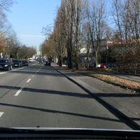 PSS ortsauswärts kurz nach KFC. Messfahrzeug blauer Caddy KA-E2989 IgO @ 50 Km/h. Typische Abzockstelle.