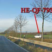 Alte B 248 / L 295, zwischen Lehre und Flechtorf, höhe der Bahnbrücke, an der Feldwegseinfahrt beidseitig. ESO Anlage, Beiger VW 5 (HE-QF-793) steht in der Nähe. 80 kmh
