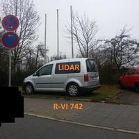 neues Messfahrzeug der Stadt Regensburg, silberner VW Caddy, R-VI 742