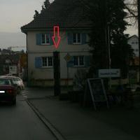Der Blitzer befindet sich in Richtung Ravensburg auf der Rechten seite, und Blitzt in beide Richtungen 30km/h